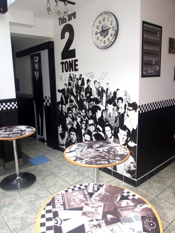 2-Tone cafe
