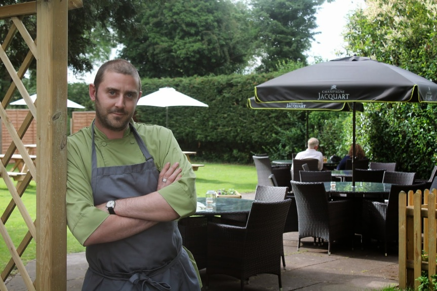 Andersons dining garden