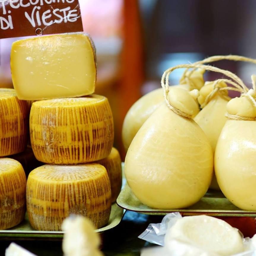 cheeses-at-sapori-di-sole-deli-mosely