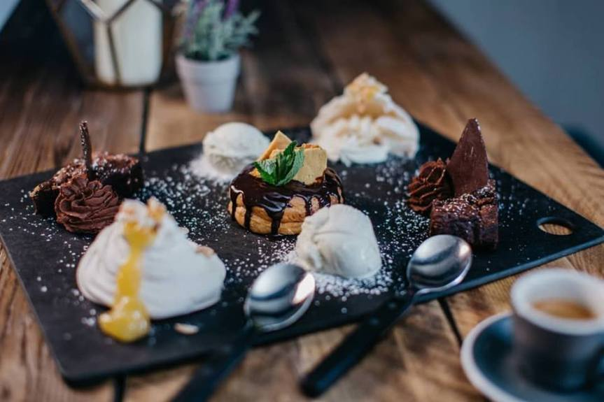 The Manor House of Whittington dessert platter