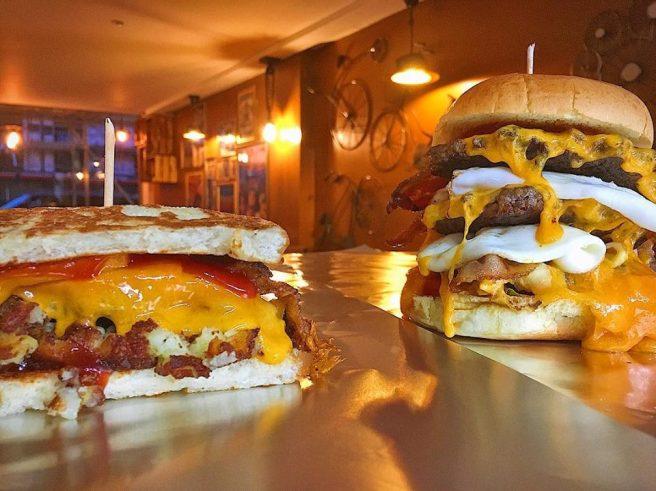 Seven17 burgers.jpg